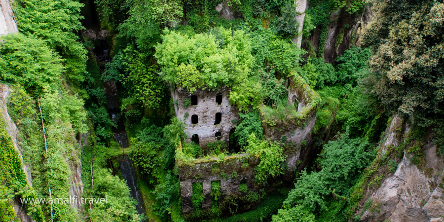 Valley Mills, Sorrento, Italy